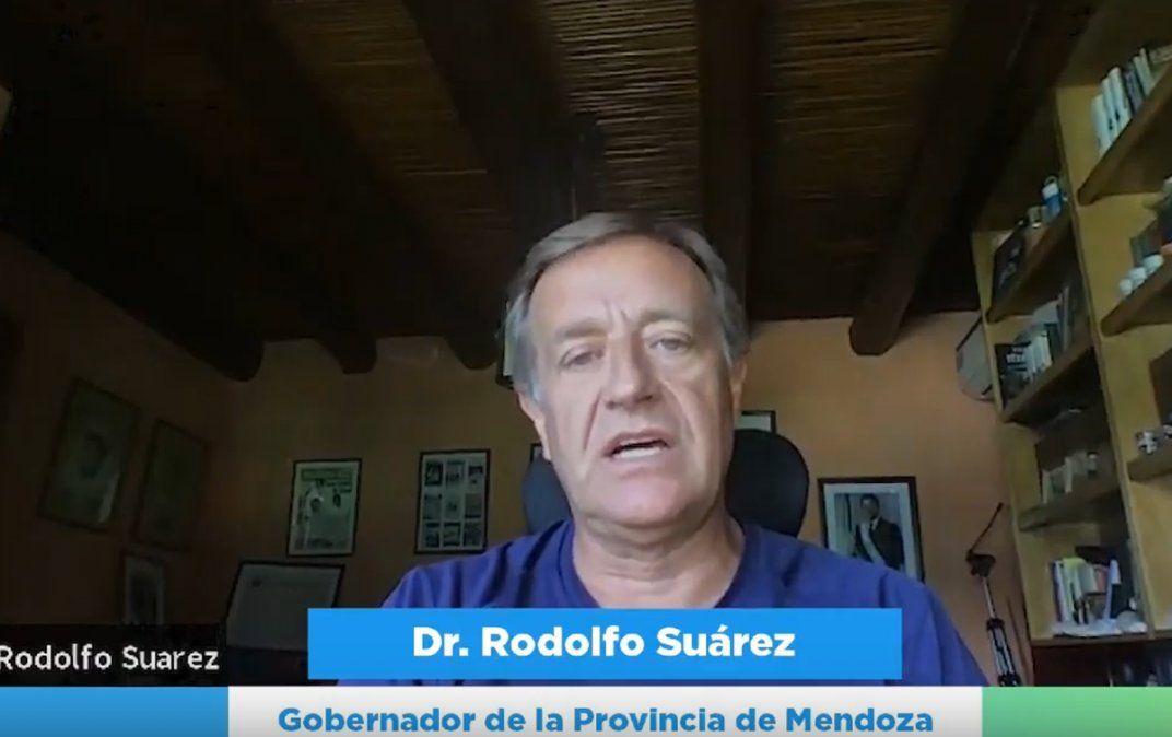 Rodolfo Suarez en el cierre del Coloquio Industrial.