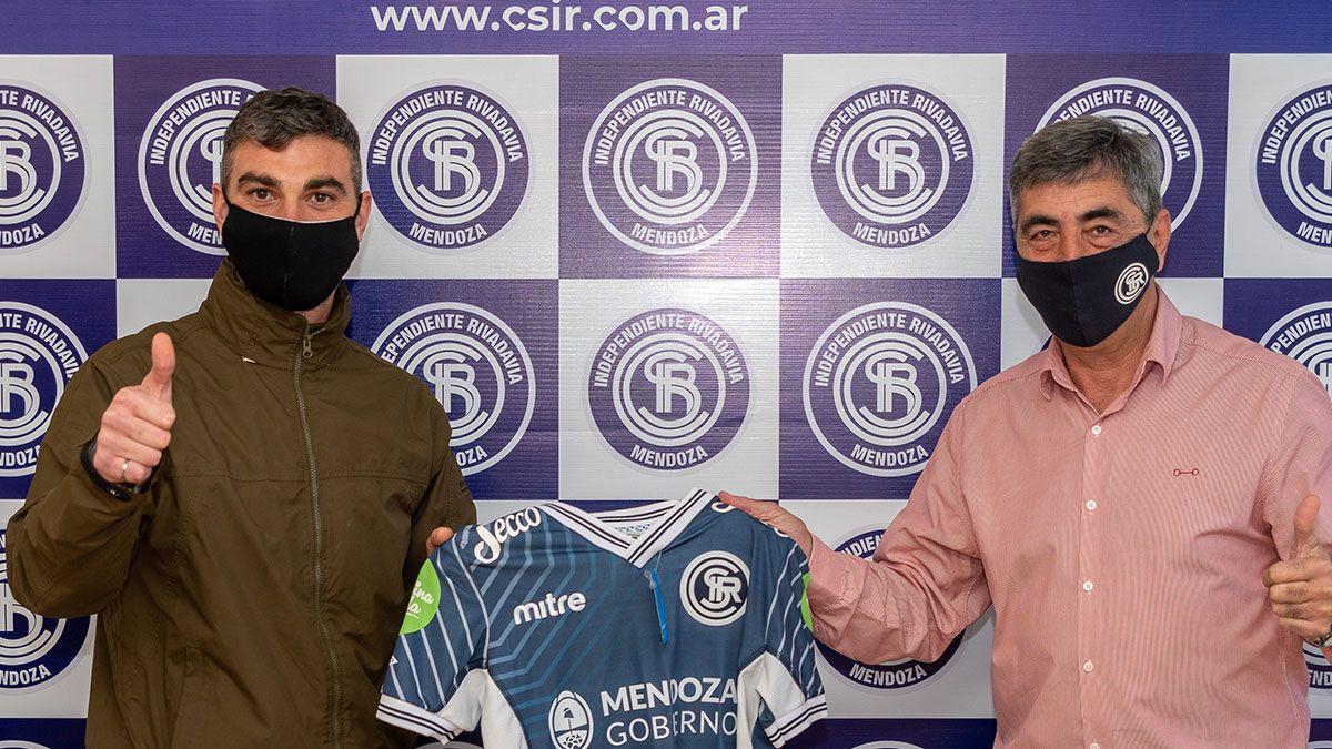 El titular azul con el defensor Paolo Impini