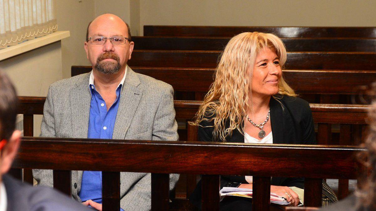 Luis Lobos y la ex pareja, Claudia Sgró, están bajo proceso judicial por corrupción en la función pública.