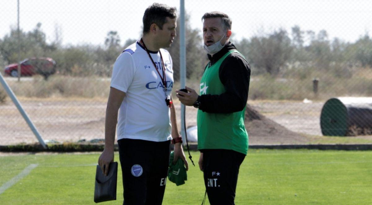 Diego Flores metería dos cambios en Godoy Cruz para afrontar la 11ma. fecha de la Liga Profesional de Fútbol.