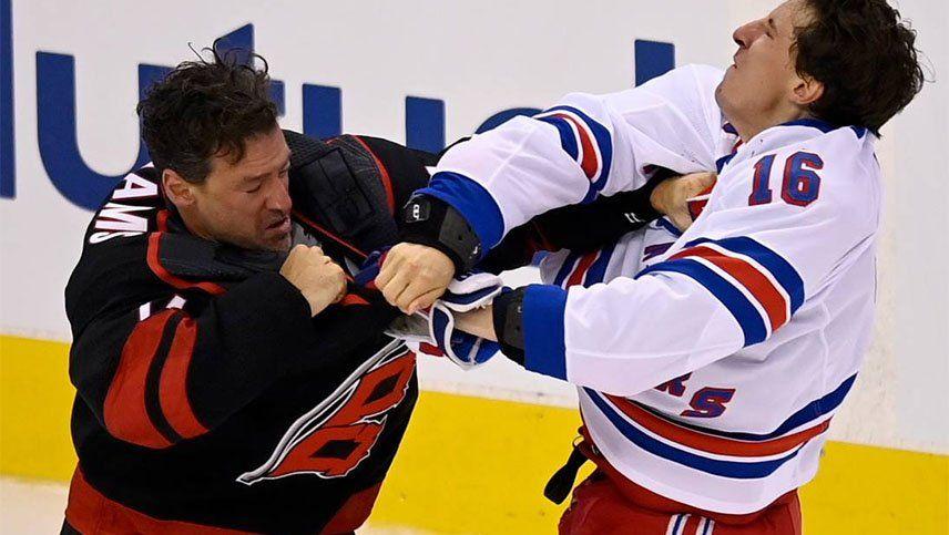 La sangrienta pelea en el hockey sobre hielo que dio la nota
