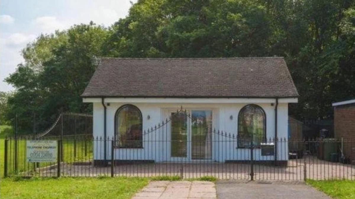 Las rejas y ventanalas pueden dar pistas sobre el pasado de la casa.