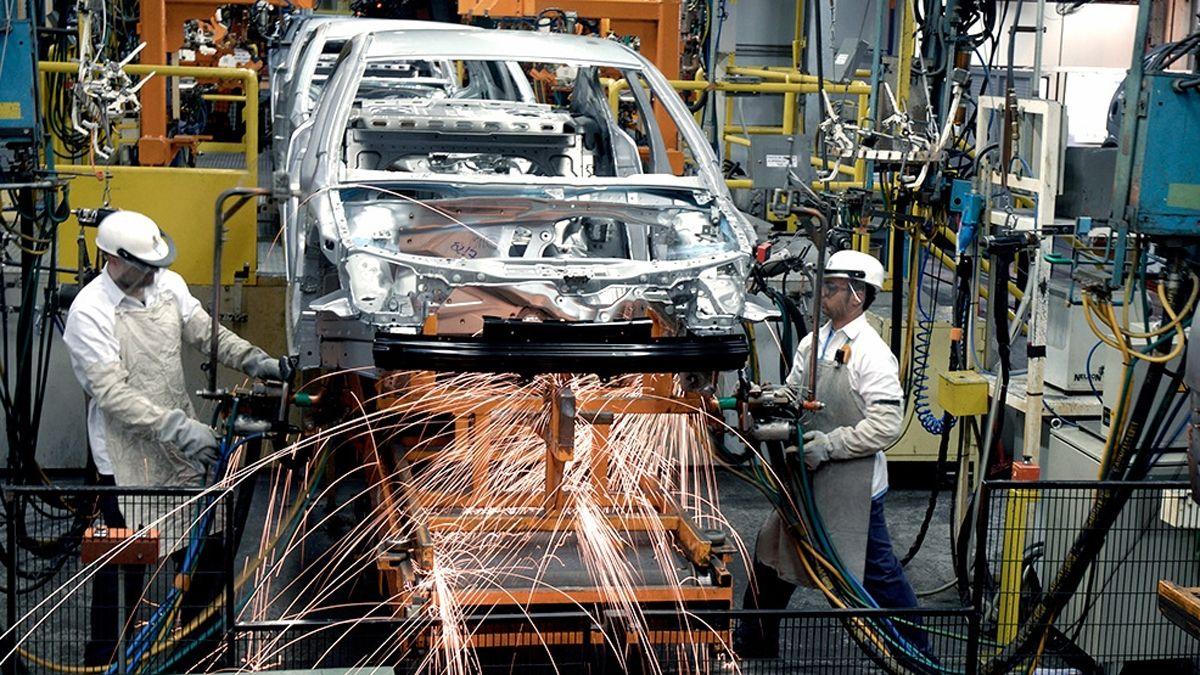 El gobierno busca impulsar las exportaciones y genera más empleo.