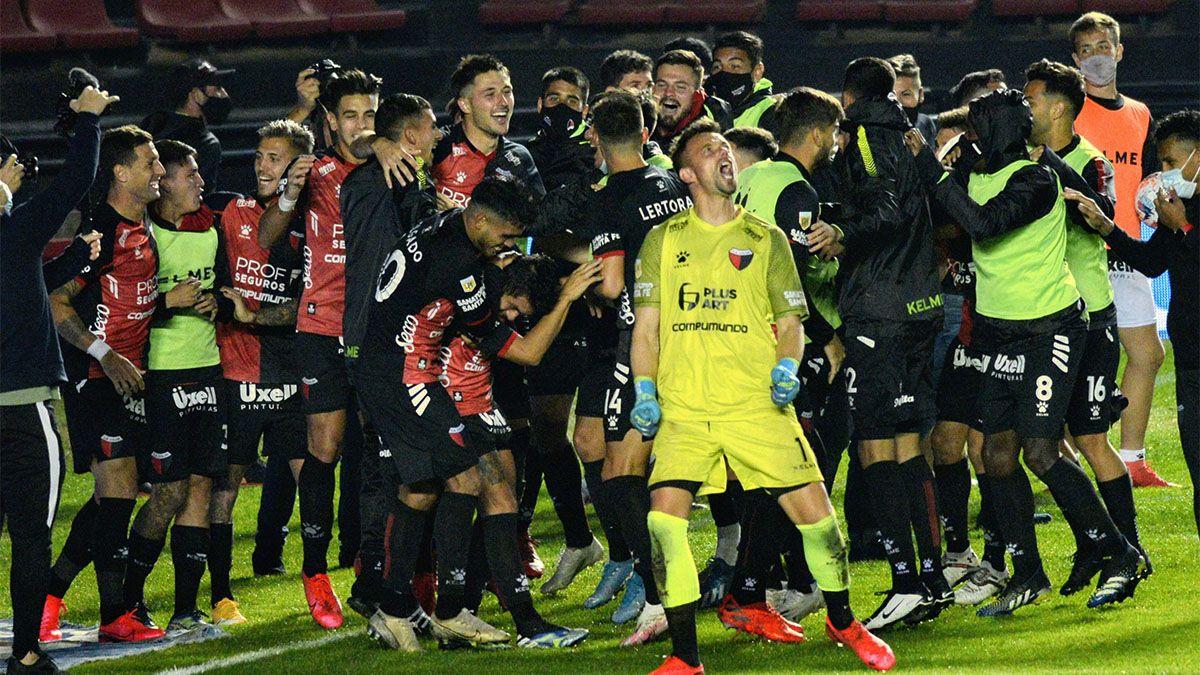 Colón jugará una de las semifinales ante Independiente
