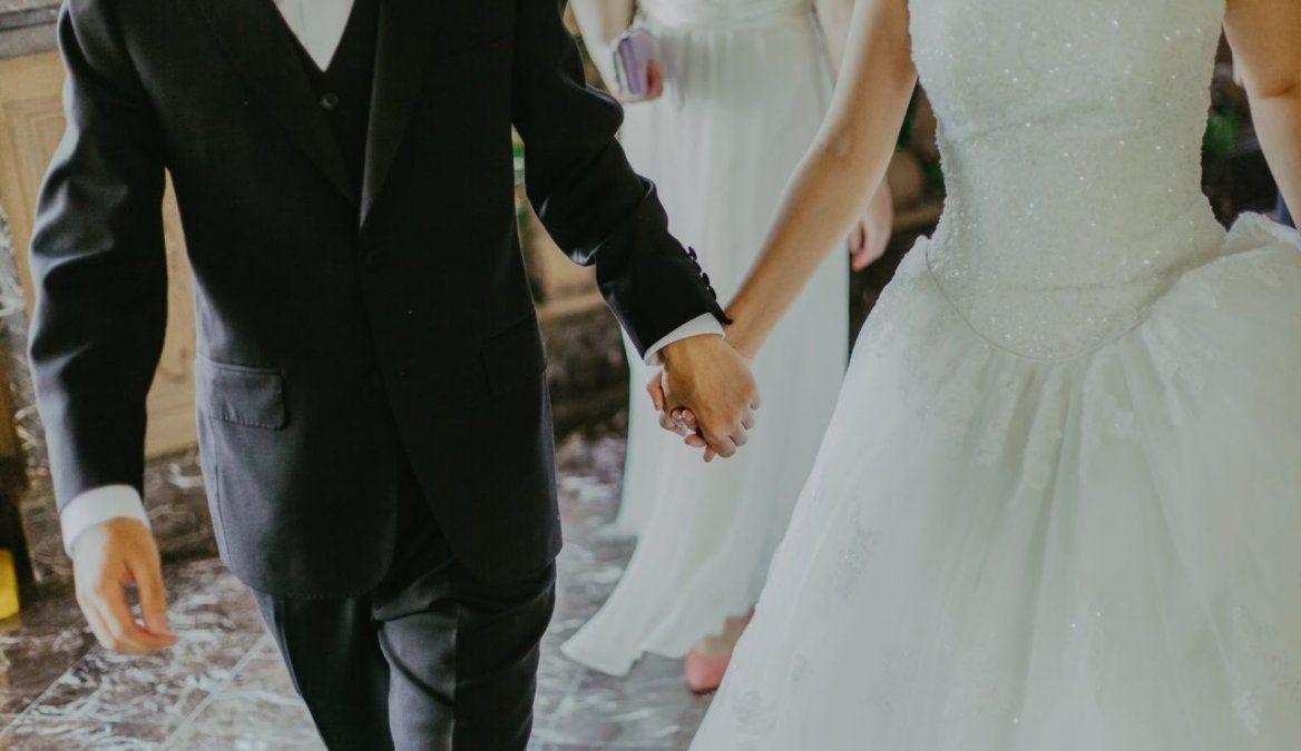 Triste historia de amor. En el día que se casaba se murió de Covid.