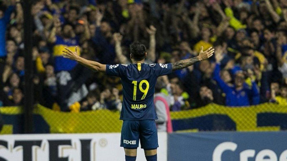 Los hinchas de Boca verían con buenos ojos el regreso de Mauro Zárate.
