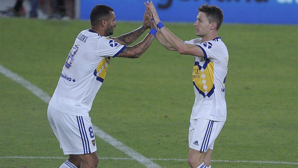 Boca se lo dio vuelta a Independiente de la mano de Cardona