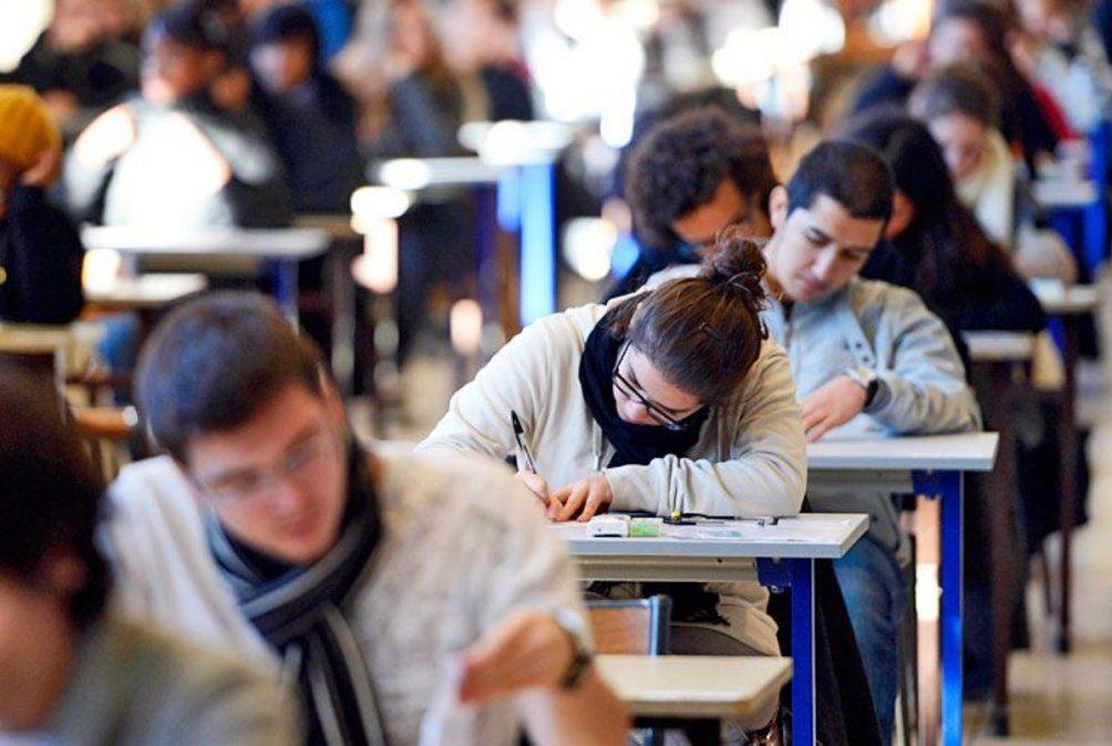 La convocatoria de ANSES y Educación es para jóvenes desde los 18 años para las Becas Progresar 2021 de secundario y formación superior
