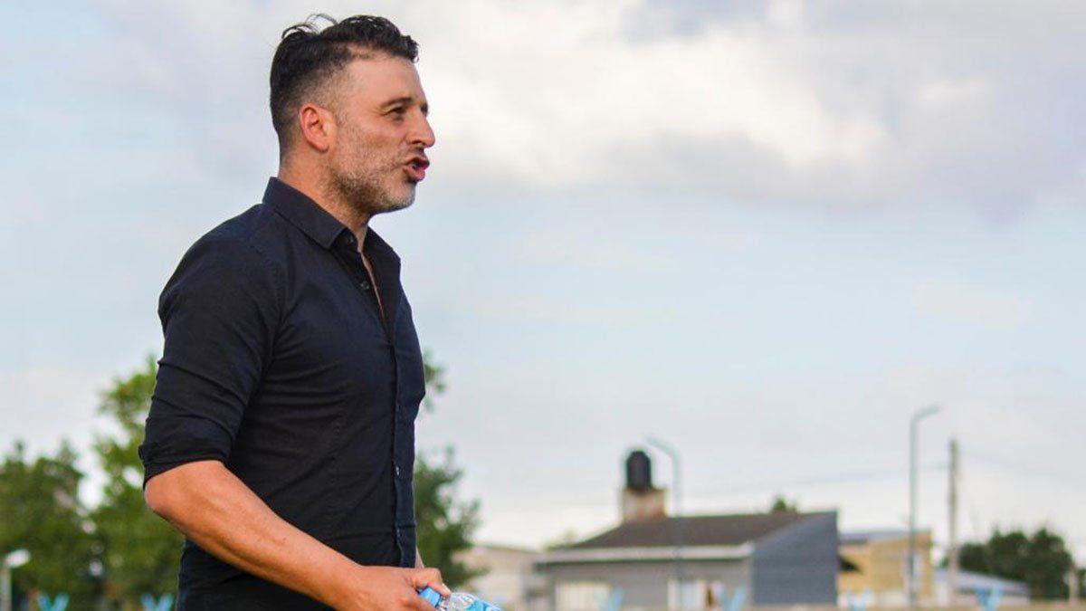 Daniel Sagman es el entrenador de J. J. Urquiza.