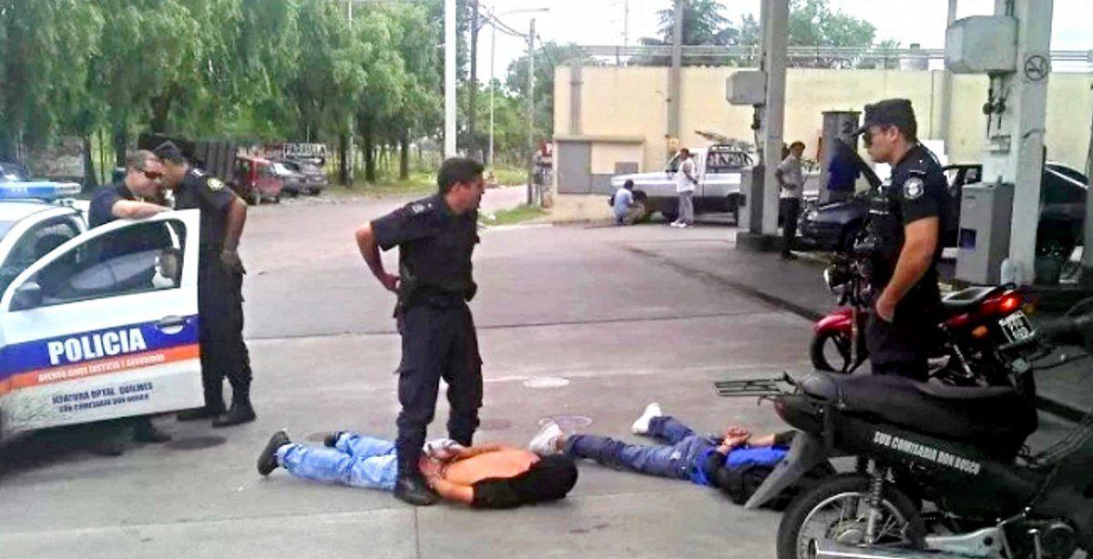 Se defendió. Un joven le quitó el cuchillo a un ladrón y lo mató.