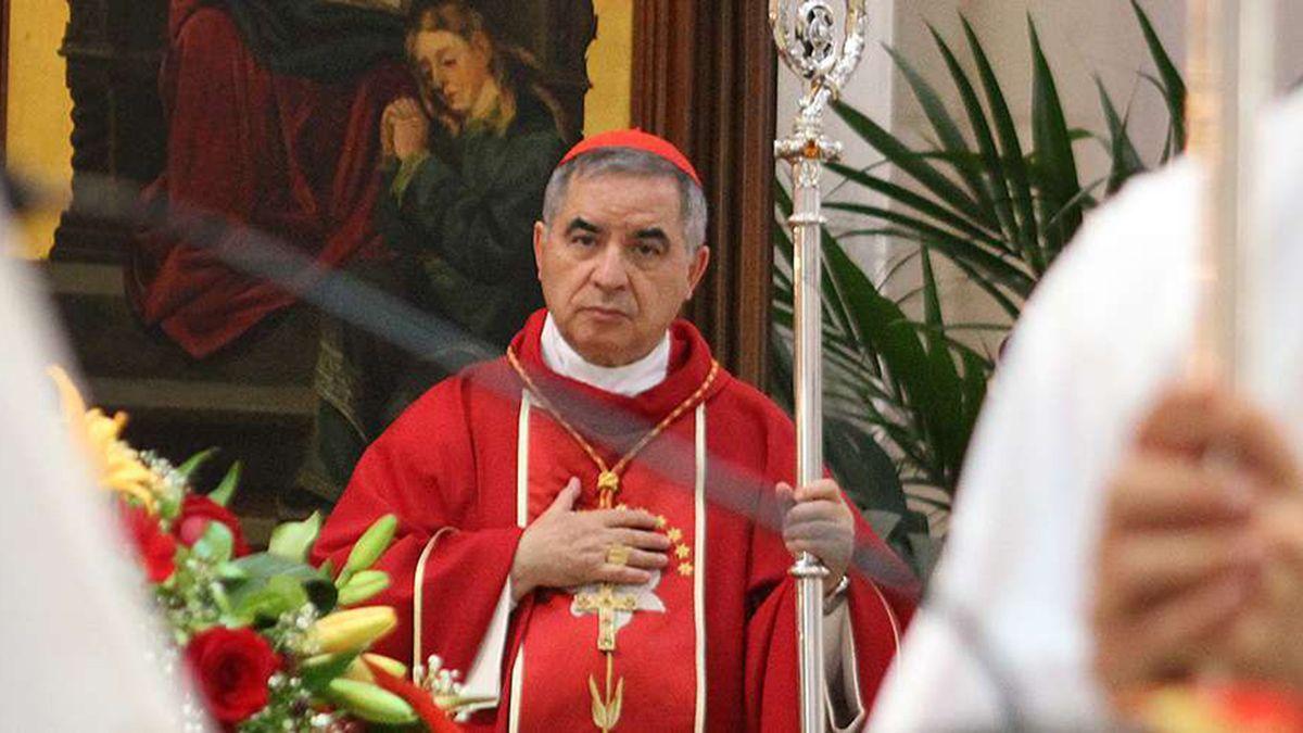 El cardenal Angelo Becciu era investigado por un escándalo de inversiones inmobiliarias en Londres