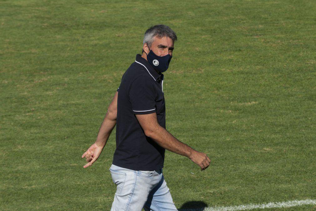 El entrenador Gabriel Gómez cosechó su segundo triunfo consecutivo en la Lepra.