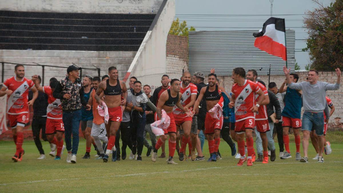 Deportivo Maipú comenzó con la limpieza del plantel