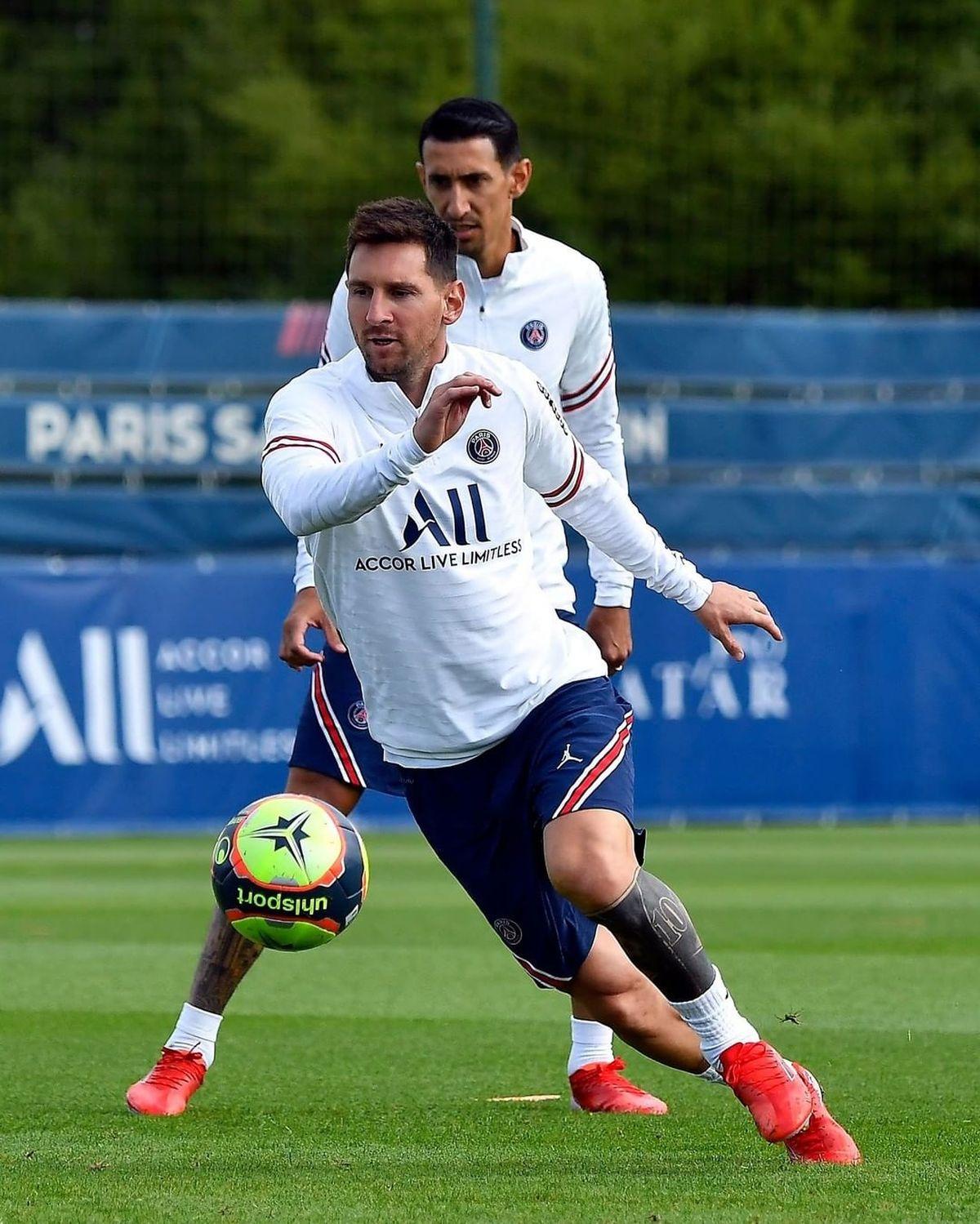 Lionel Messi tendrá este domingo su estreno en el PSG.