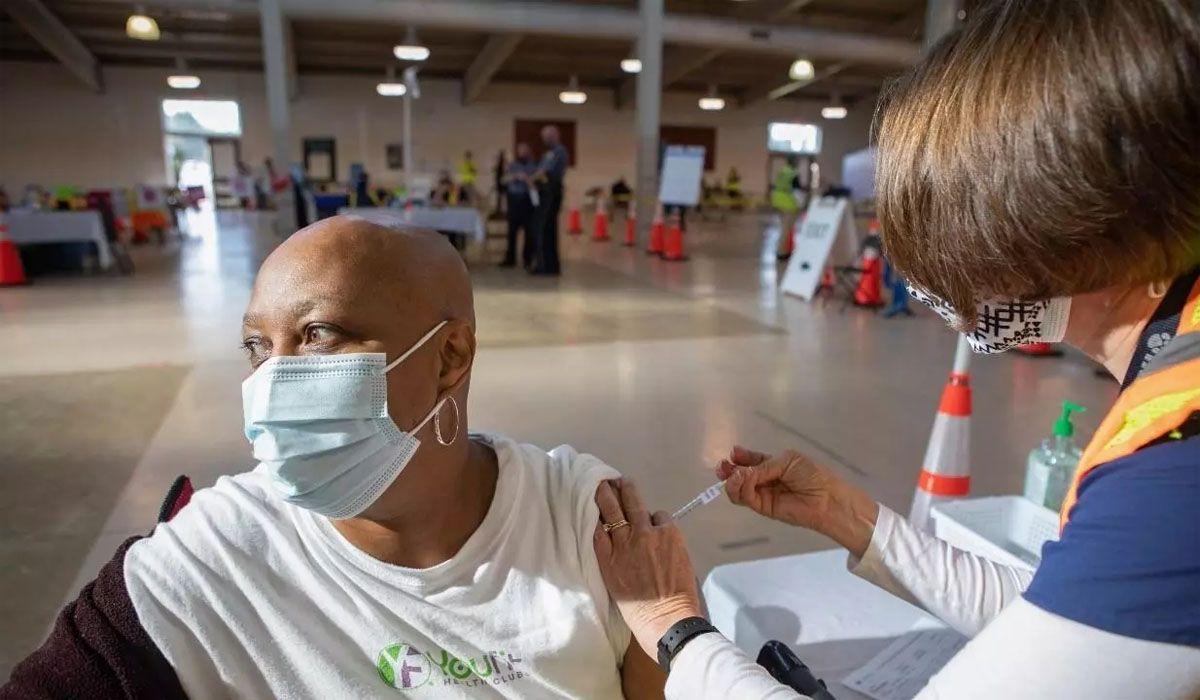 Estados Unidos podría sufrir una nueva ola este verano si no acelera la vacunación contra el Covid en el sur