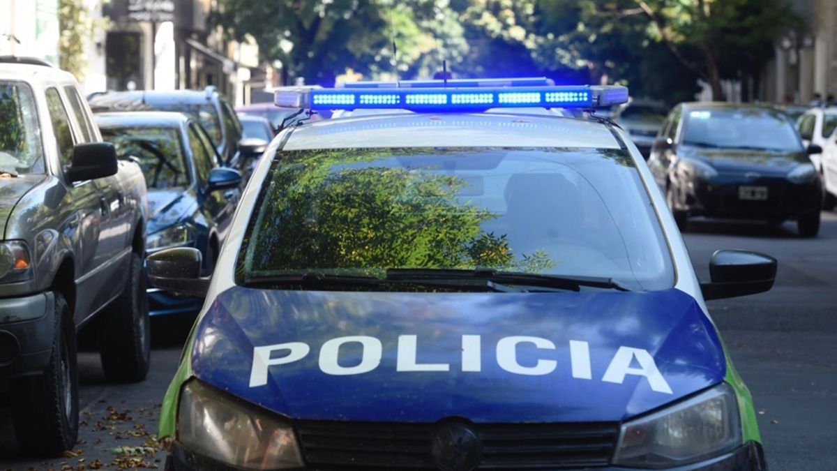 Una mujer fue rescatada por la Policía de La Plata.