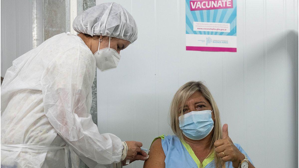 El Consejo Federal de Educación estableció cinco grupos para establecer la prioridad de vacunación de los docentes y no docentes.