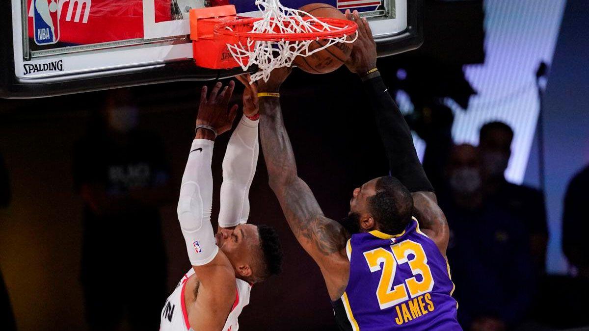 Houston comenzó con ventaja la serie ante Lakers en las semifinales del Este