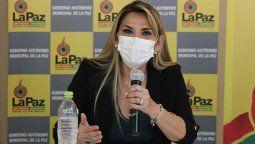 La presidenta interina de Bolivia tiene coronavirus: Me siento bien