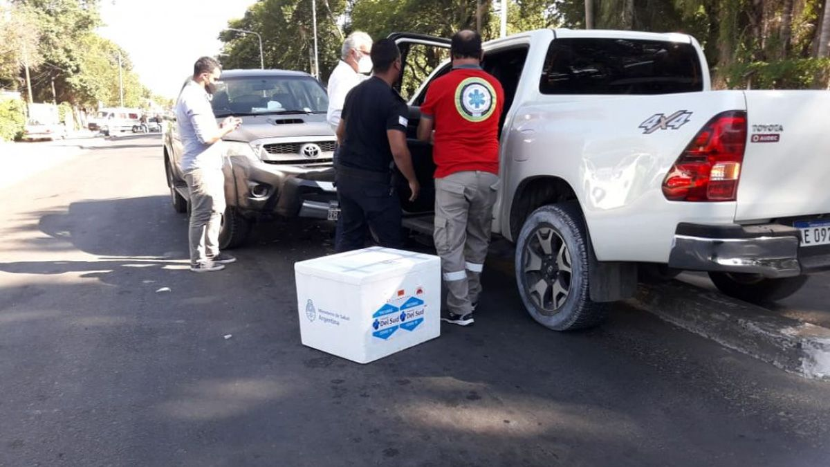 En Corrientes. El auto que manejaba el ministro de Salud chocó. Llevaba vacunas que fueron protegidas rápidamente y salvadas.