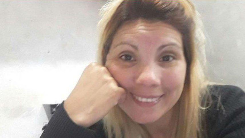 Una mujer fue asesinada de un balazo en el cuello por motochorros