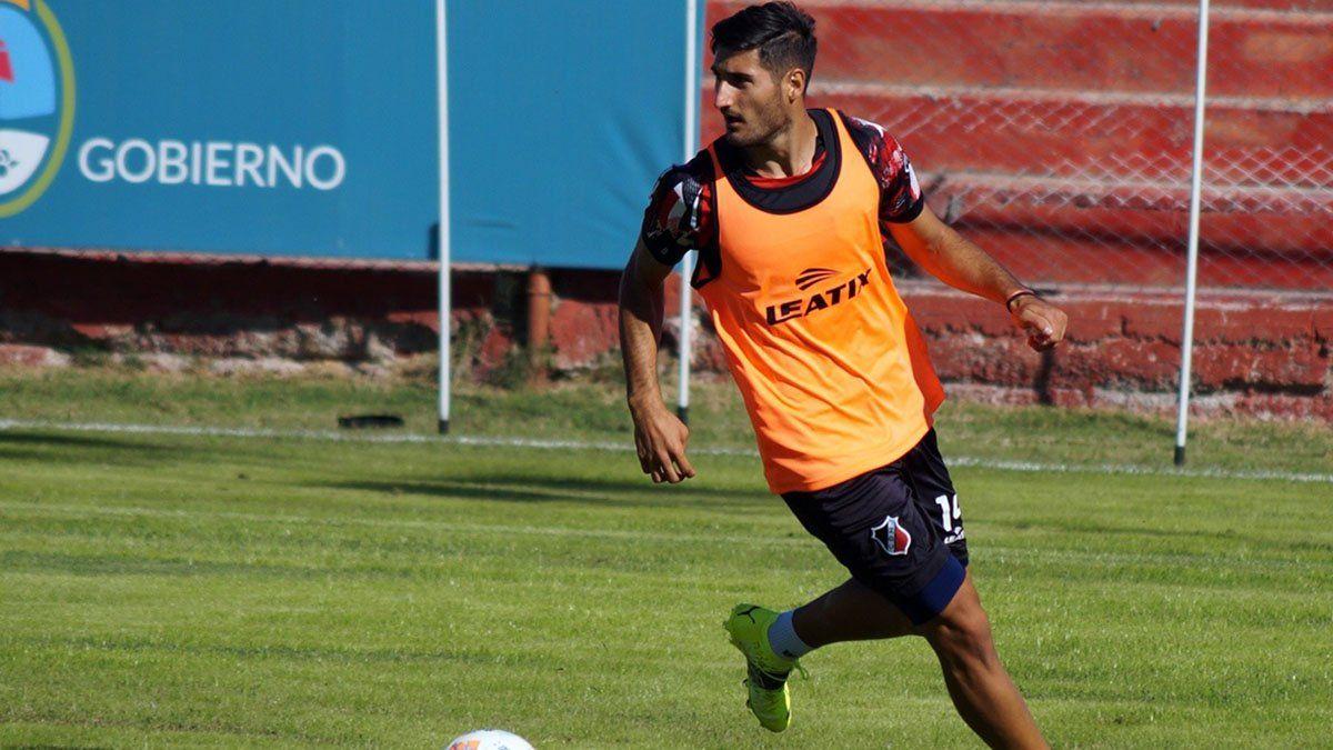 El volante del Deportivo Maipú Matías Viguet.