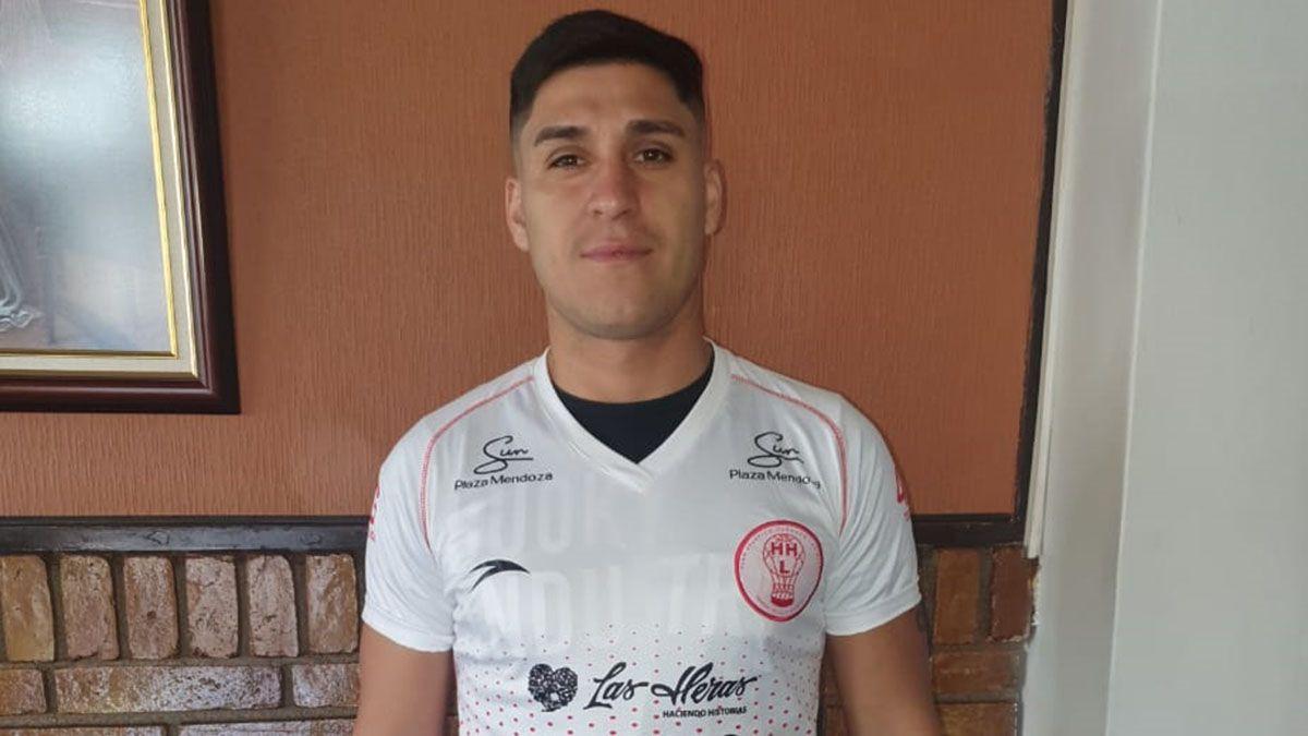 El defensor Nicolás Inostroza extendió su vinculo en el Globo.