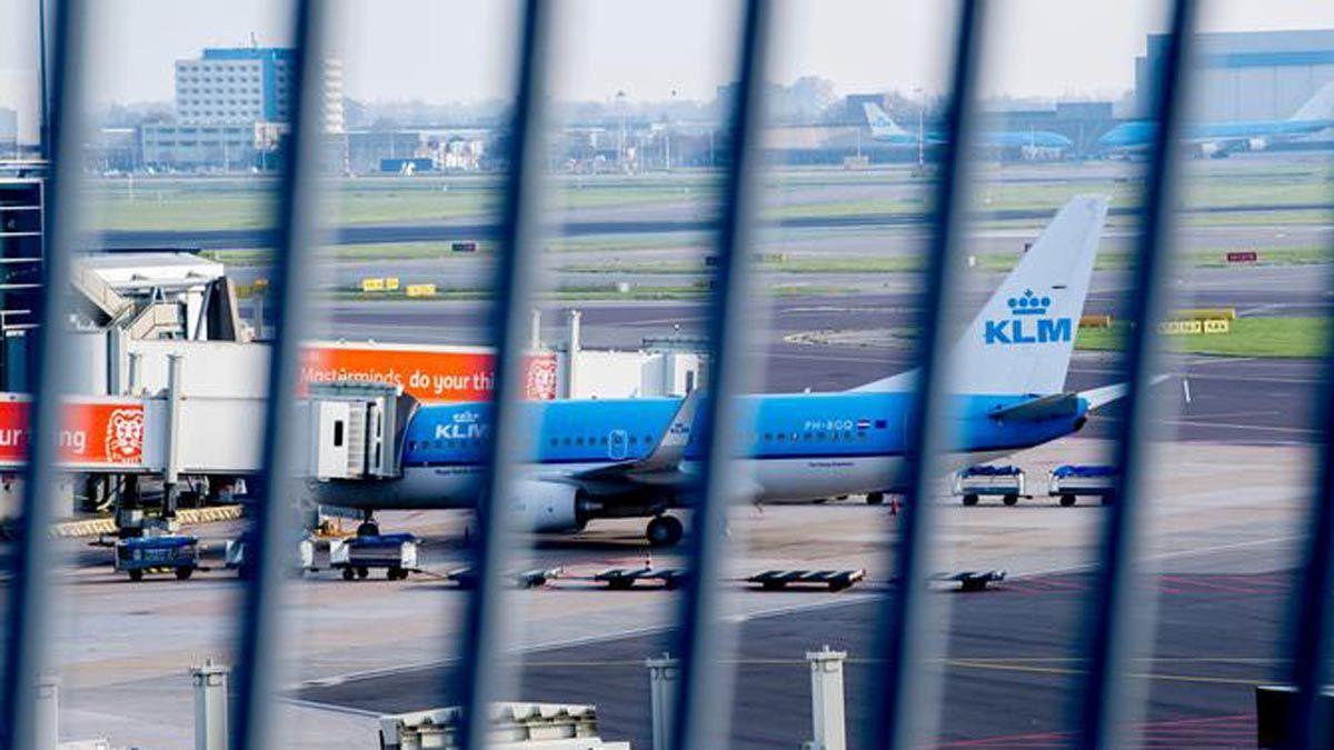 Qué países ya suspendieron vuelos hacia el Reino Unido