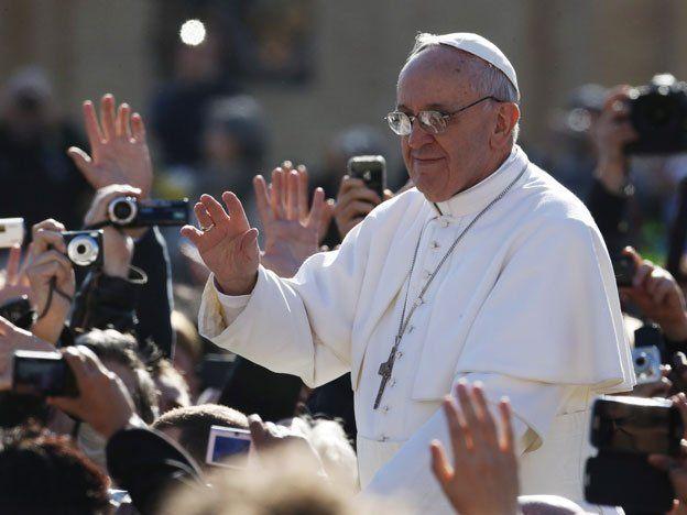 Francisco celebrará la misa de la última cena en el COSE de Roma y lavará los pies a 12 menores presos