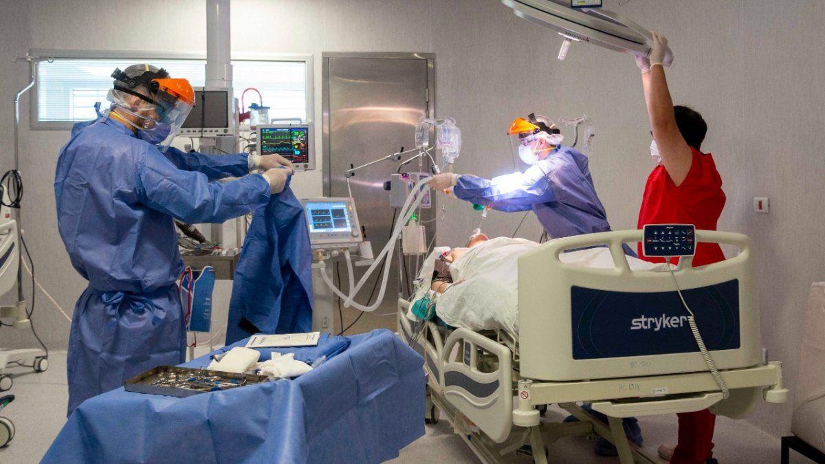 La segunda ola de coronavirus ya se refleja en el aumento de ingresos por la guardia respiratoria del Hospital Central y en la internación.