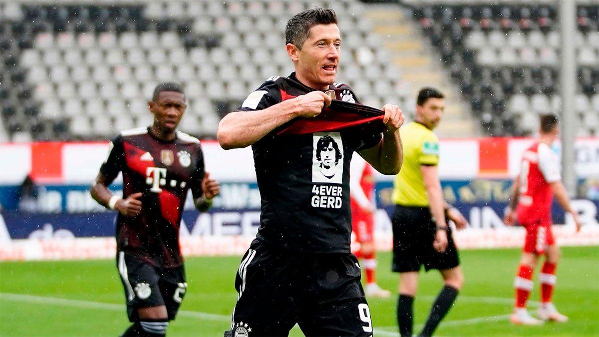 Lewandowski igualó un récord histórico en la Bundesliga