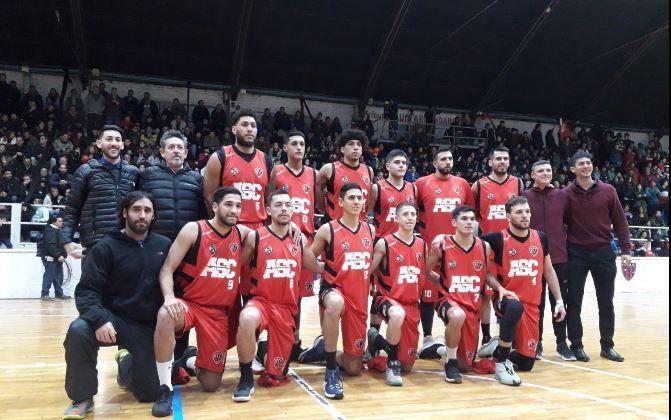 Atenas festejó el Apertura, de la Superliga, en una fiesta del básquetbol mendocino