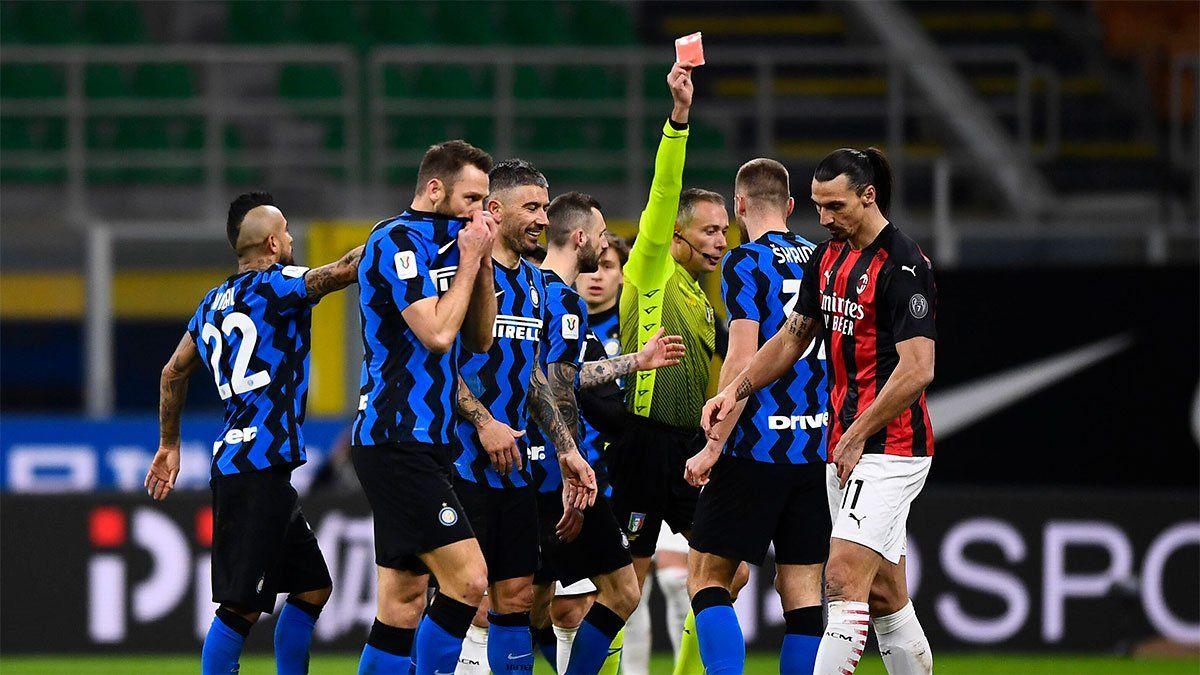 Zlatan Ibrahimovic dio la cara tras su duro cruce con Lukaku