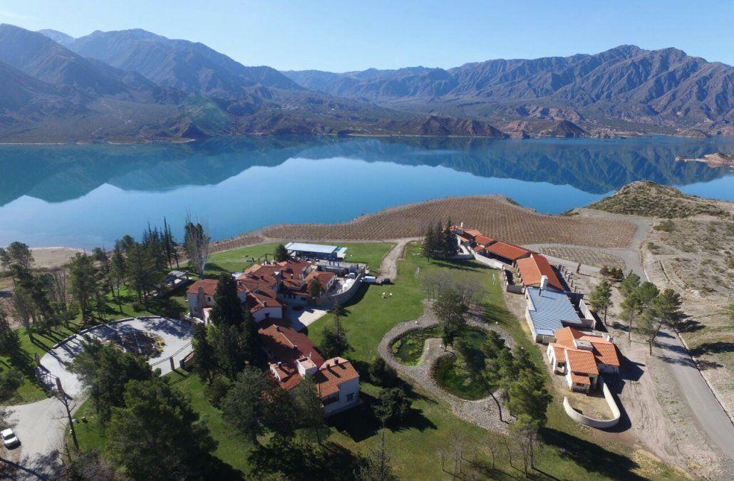 Desde el 1 de febrero se lanza una promoción para comprar paquetes turísticos de distintos destinos de Mendoza con un descuento del 50%.