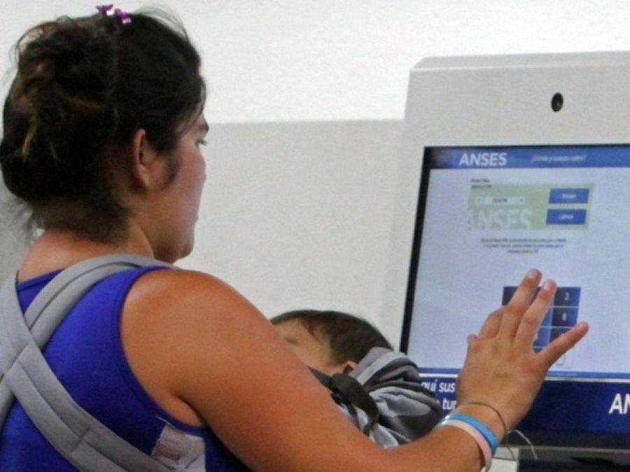 ANSES pago doble para AUH y AUE: cómo lo cobro en abril