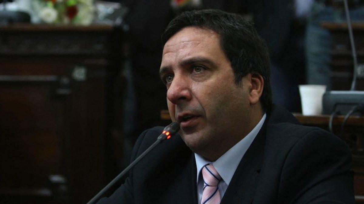 El diputado Gustavo Cairo usó su cuenta de Twitter para hablar de los desaparecidos en la dictadura militar y cuestionó las cifras oficiales.