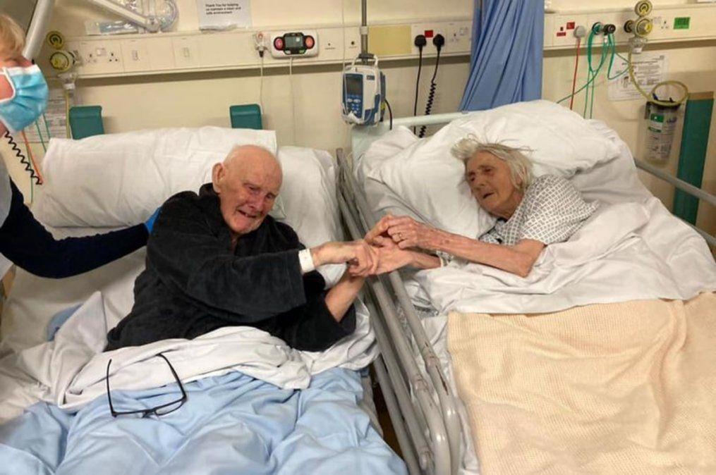 Llevaban 70 años de casados y murieron juntos, víctimas del coronavirus