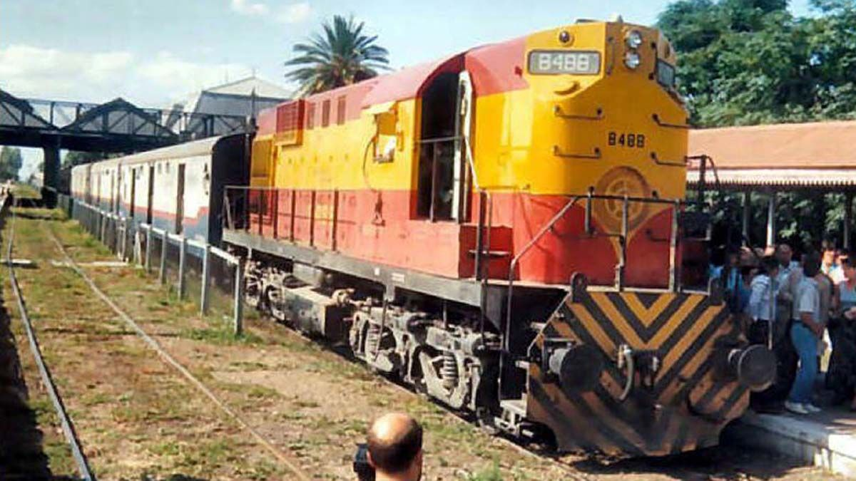 A 28 años de la partida del último tren de pasajeros de Mendoza a Retiro, sostienen la idea del regreso