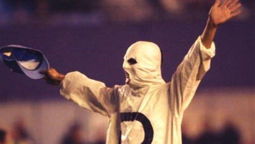 Mientras los de River festejan el 9-12, reapareció el Fantasma de la B