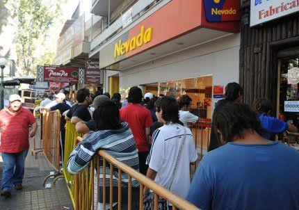 Se armó una larga cola por las entradas para ver Godoy Cruz-Boca