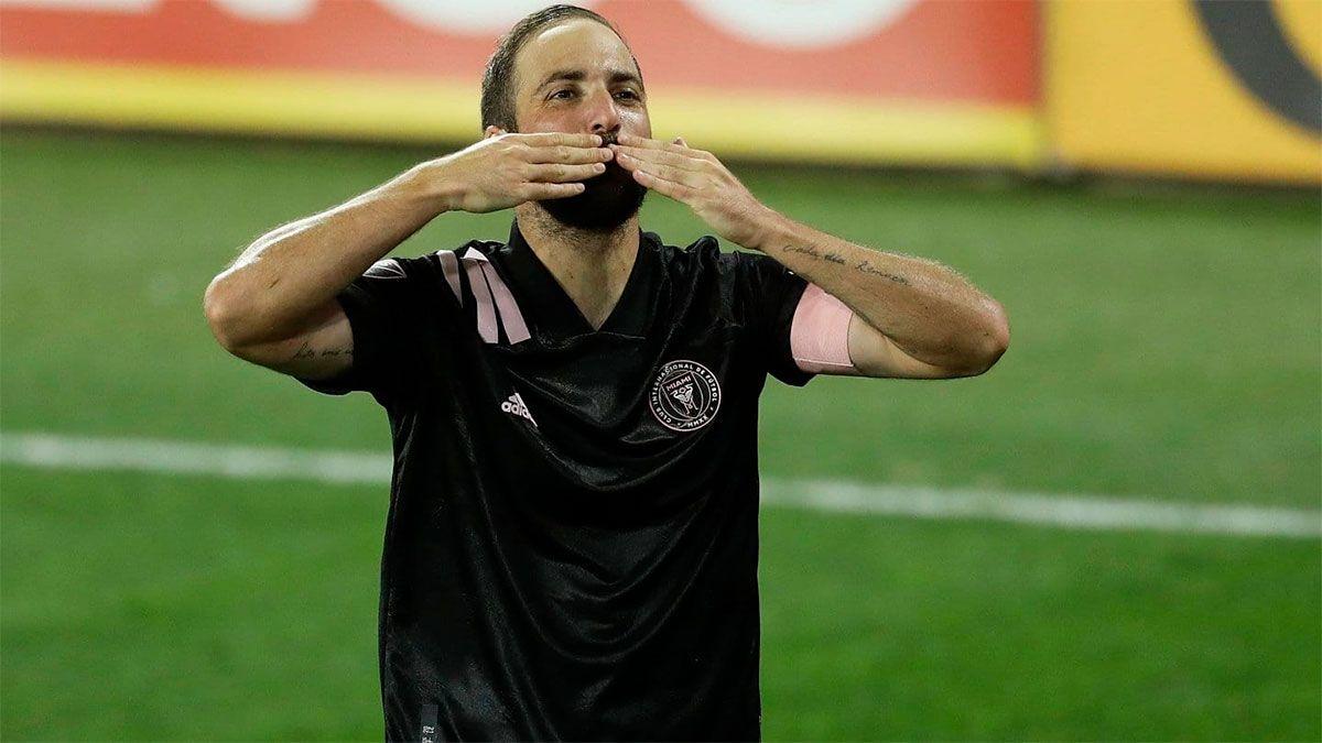 Gonzalo Higuaín marcó de tiro libre su primer gol en la MLS