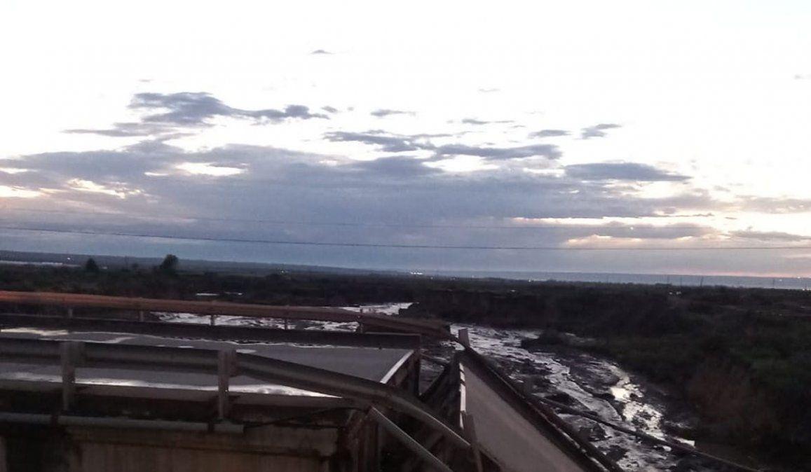 Alerta meteorológico por tormentas y granizo en Mendoza. Así quedó el puente de la Ruta 40 en la zona de Agrelo. Foto: Gobierno de Mendoza.