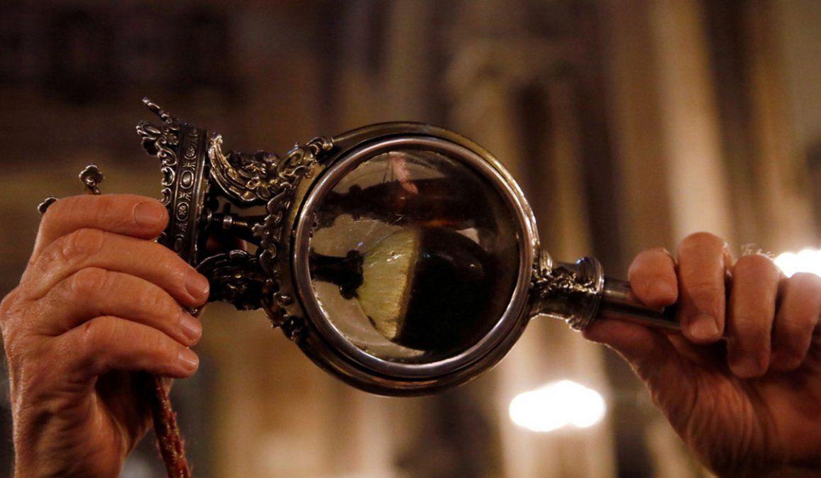 Los napolitanos están preocupados porque la sangre de San Genaro no se licúa