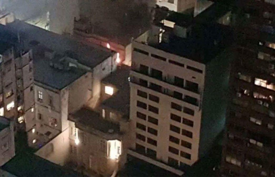 Un departamento en un edificio situado en el barrio porteño de Retiro se prendió fuego. El incendio acabó con la vida de una mujer y sería Elsa Serrano.