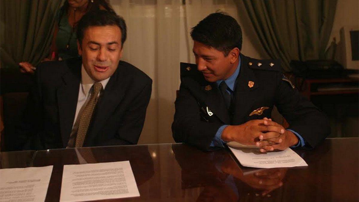 Camilo Uvilla junto a Alfredo Cornejo.
