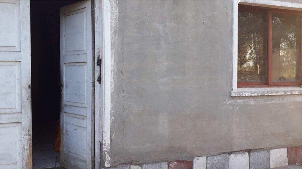 La reconstrucción de la casita de los abuelos Fernández necesitará otra jornada de trabajo. En la primera reconstruyeron muros