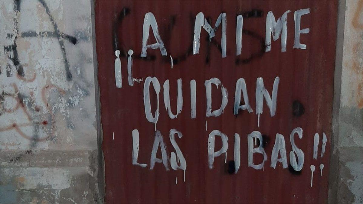 Detuvieron a diez mujeres por hacer pintadas en San Martín