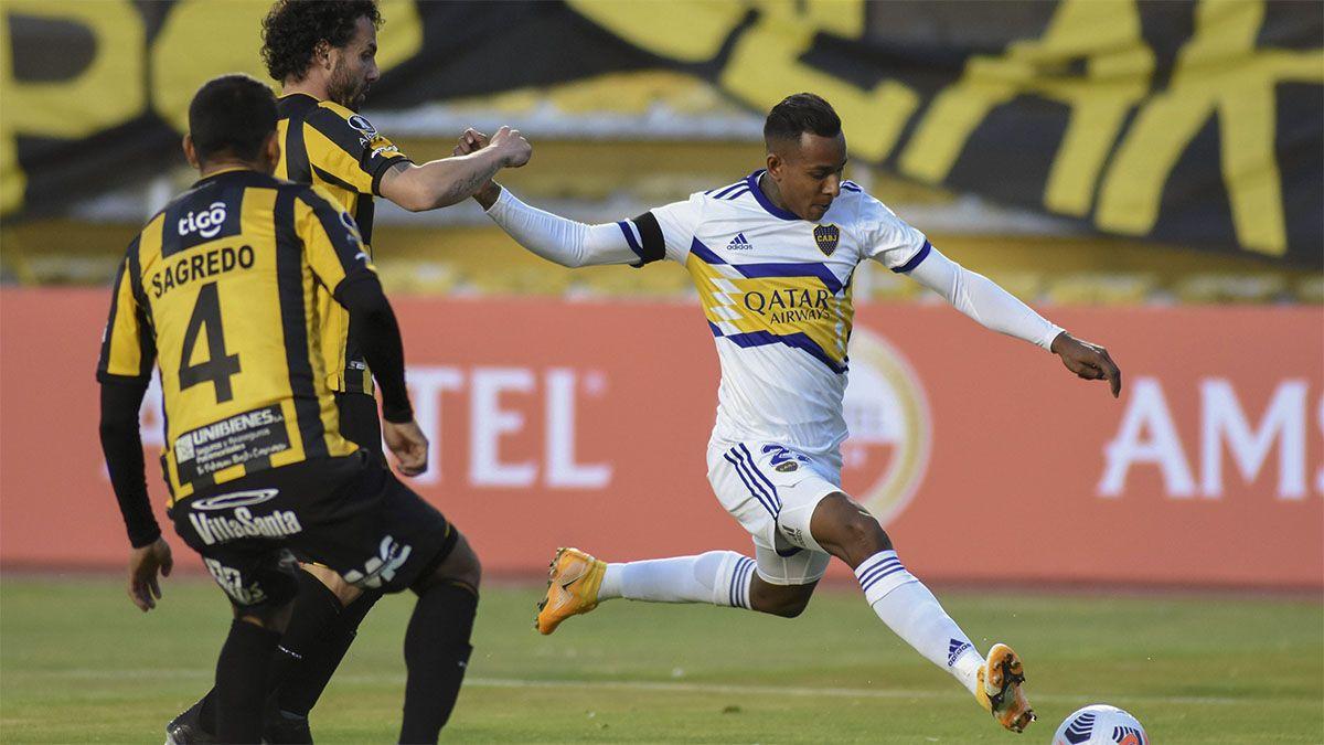 Boca tuvo un buen debut en la altura de La Paz