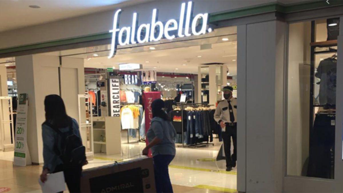 Falabella cierra en el Mendoza Plaza Shopping.