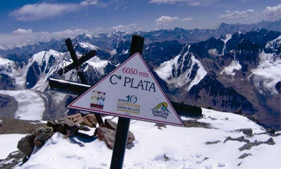 Hallan dos cuerpos congelados en El Plata y serían dos montañistas desaparecidos hace 25 años
